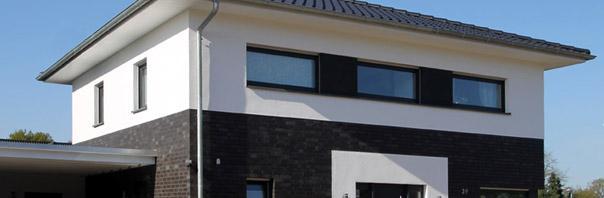 Moderne stadtvillen h user mit zwei vollgeschossen for Modern massiv bauen halle